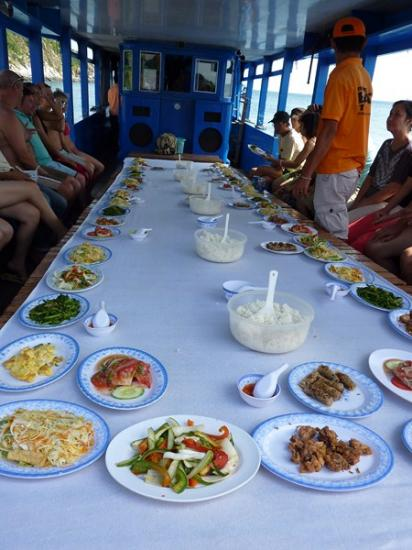 Nha Trang - Iles repas sur le bateau